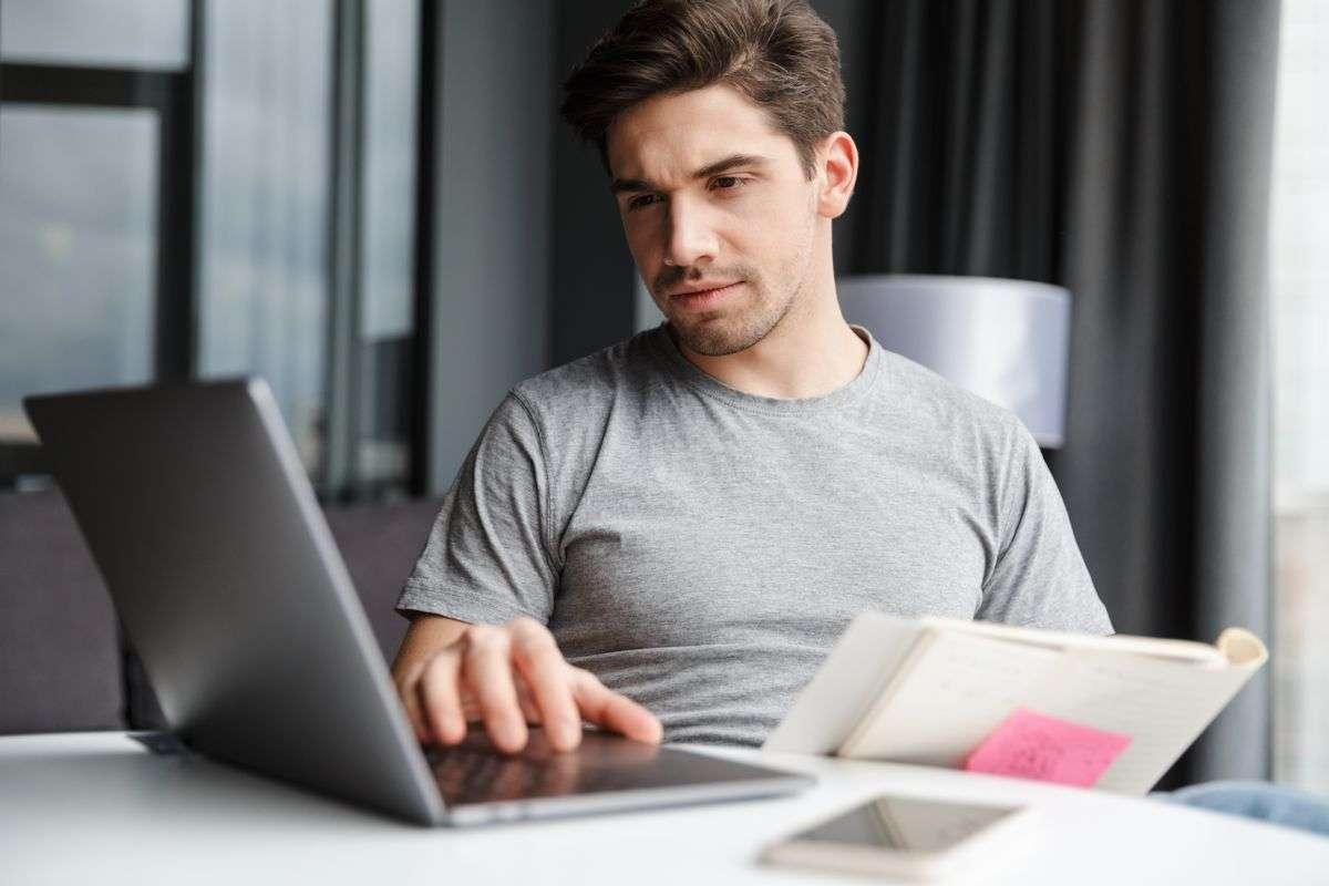 ¿Cómo se envía una factura electrónica?