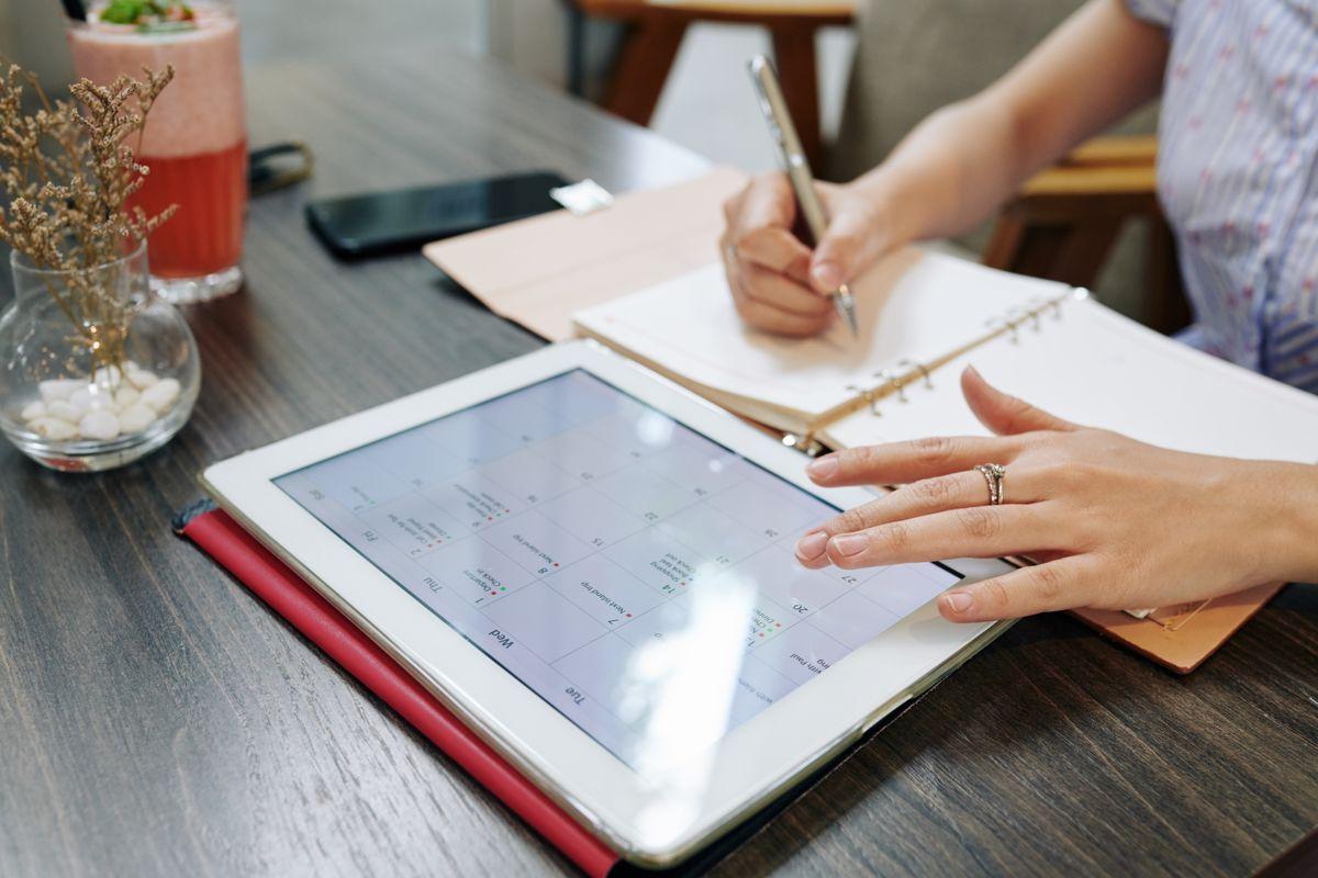 ¿Por qué en pagos de nómina y temas laborales el mes tiene 30 días?