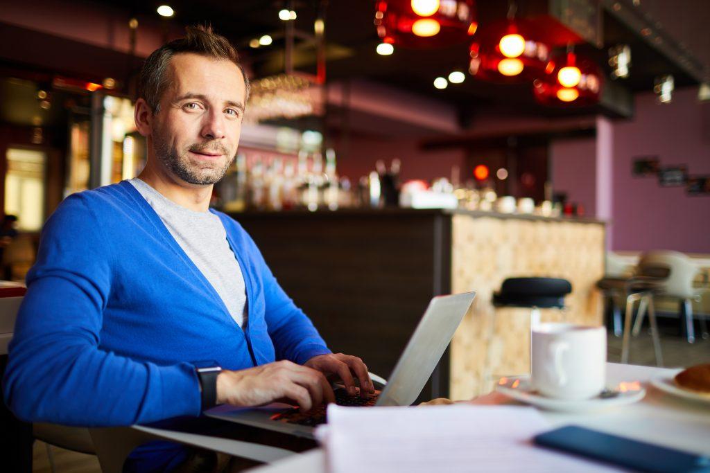 En este artículo te mostramos la definición y características de la factura electrónica. ¿Te interesa conocerlas? Entonces no te lo pierdas.